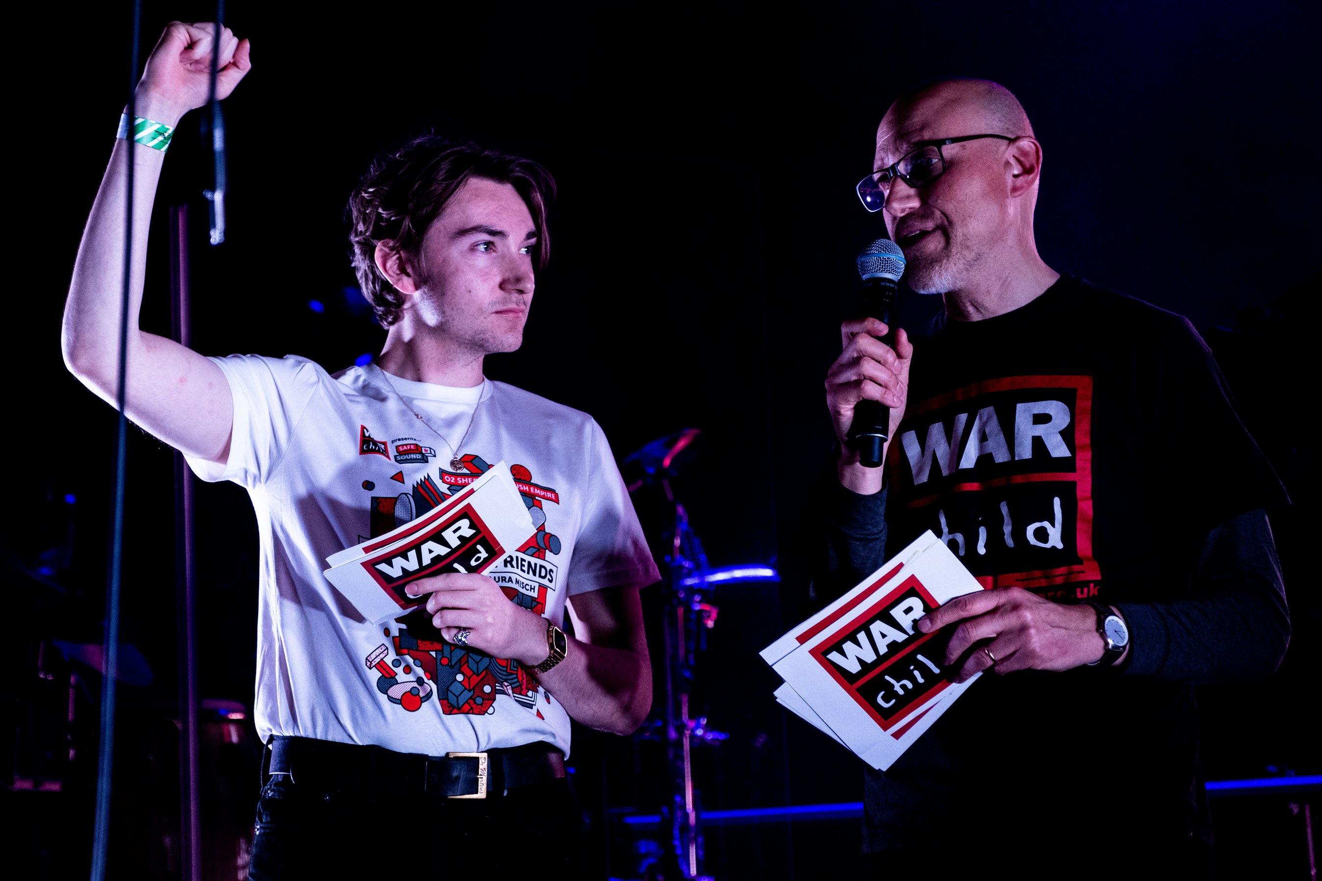 Jack Wood of Radio X Talking to the crowd about War Child live a
